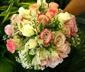 Victorian Rose Bouquet (WED14-09)