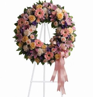 Graceful Wreath (T239-1A)