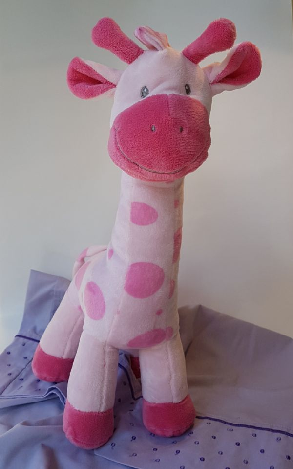 Smiling Giraffe- pink (PG16-01)