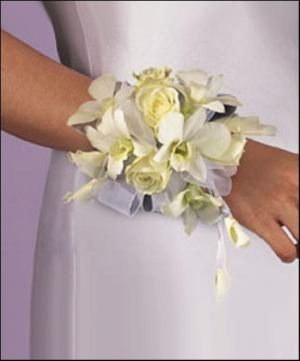 Rose & Orchid Wristlett (T94-5)